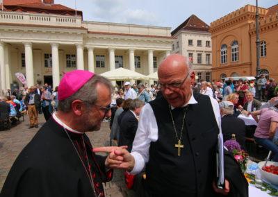 Landesbischof Gerhard Ulrich - Evangelisch-Lutherische Kirche in Norddeutschland - Nordkirche (rechts) mit Erzbischof Dr. Stefan Heße - Erzbistum Hamburg