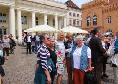 Designierte Ministerpräsidentin Manuela Schwesig während ökumenischen Feier des Pfingstfestes im Reformationsjahr 2017 in Schwerin