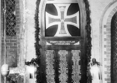 Gedenktafel für die Gefallenen im Ersten Weltkrieg.