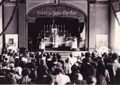 Heilige Messe im Saal des ehemaligen Deutschen Hauses - Foto Klaus Dittmann
